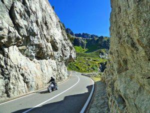 Découvrir Les Alpes à Moto