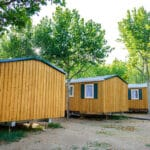 Quel Hébergement Choisir Dans Un Camping D'une Région Où Il Fait Chaud?